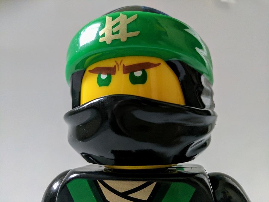 The LEGO NINJAGO Movie Lloyd Minifigure Clock Review