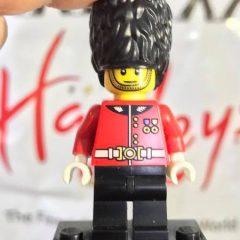 A Look At LEGO…. Hamleys Royal Guard Minifigure