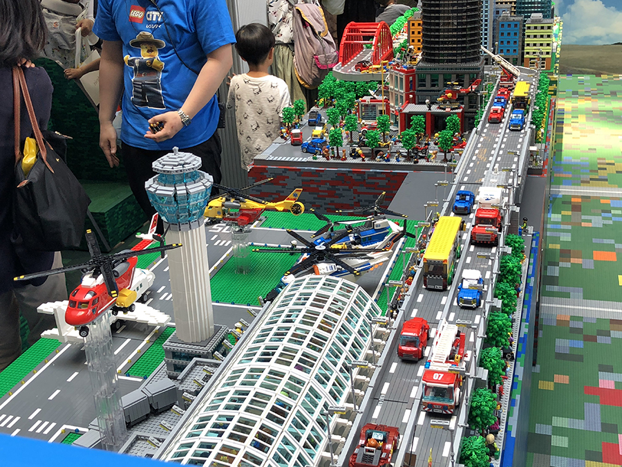 Japan Gets Super Ultra Huge LEGO City Set | BricksFanz