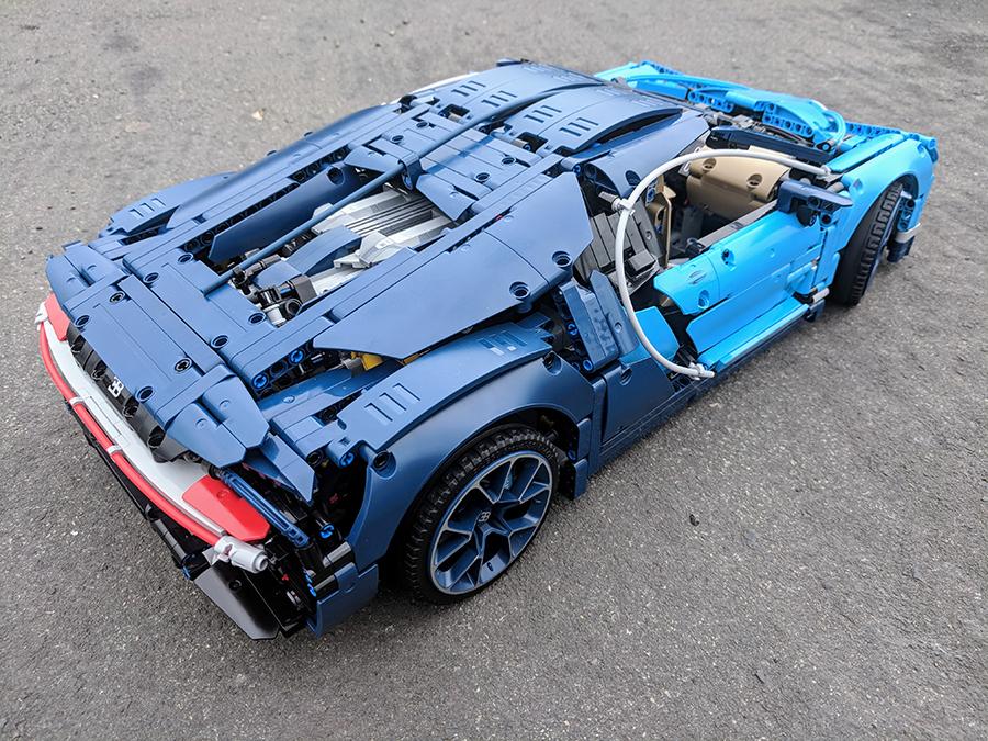 42083 bugatti chiron technic set review bricksfanz. Black Bedroom Furniture Sets. Home Design Ideas