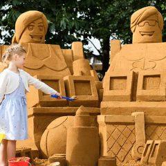 LEGOLAND Windsor Unveils A LEGO Sand Sculpture