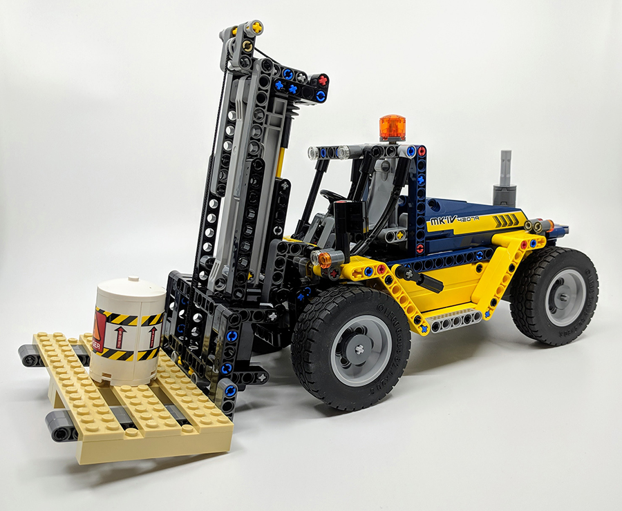 42079: Heavy Duty Forklift Technic Set Review | BricksFanz