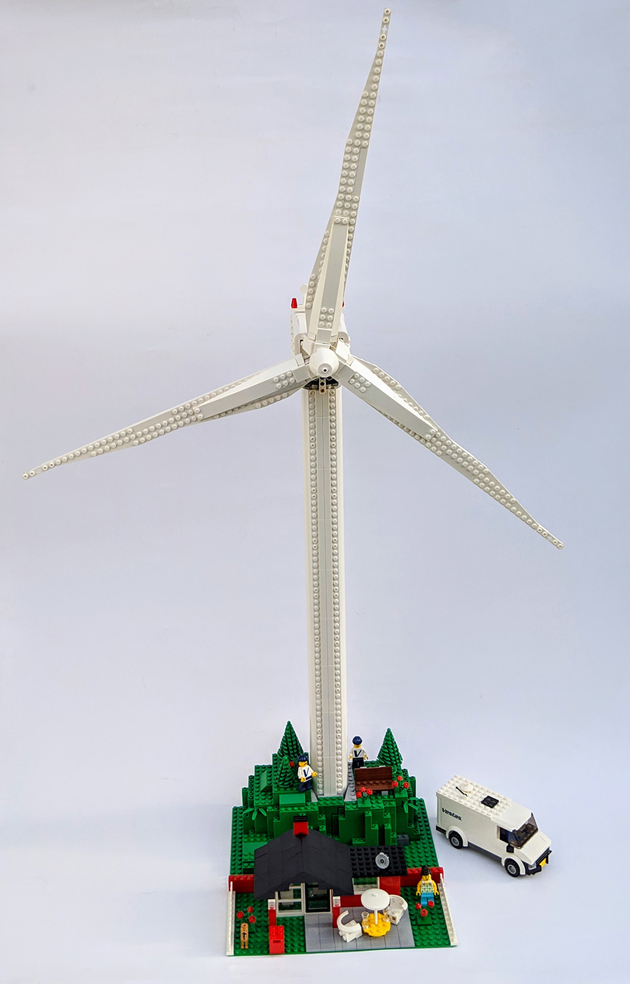 10268: Vestas Wind Turbine Set Review | BricksFanz