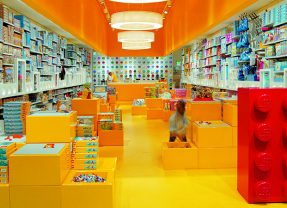 LEGO Brand Retail Want Your Insight