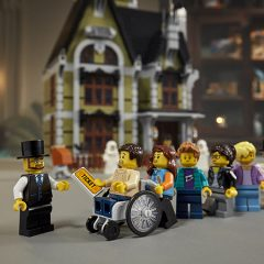 LEGO Fairground Collection Gets A Spooky New Attraction
